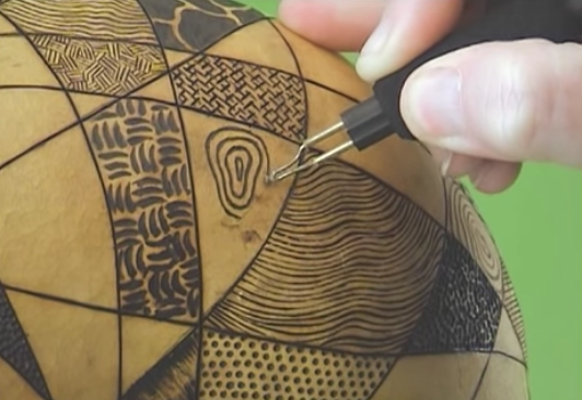 Burning a Gourd with a Pyrography Quilt Pattern