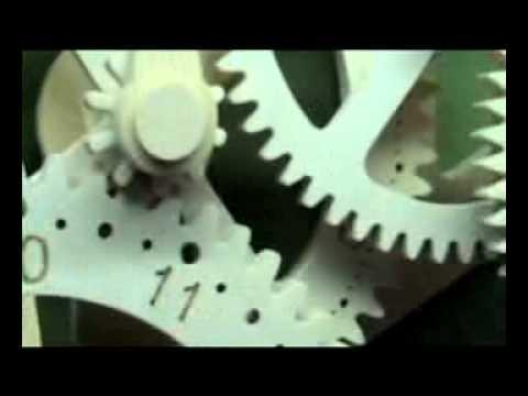 Building a Working Wooden Gear Clock