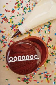 For a quick box project, Carole made Cupcakes with painted accents (Spring 2015, Issue 58).