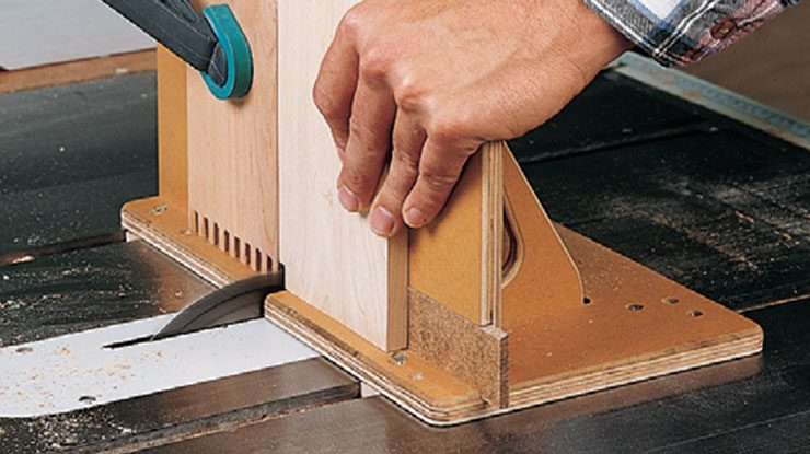 Building an adjustable box joint jig
