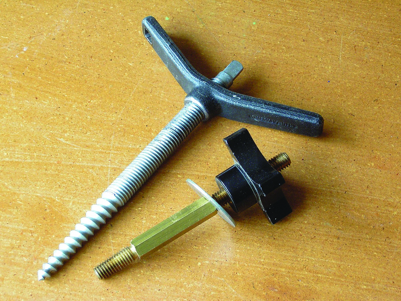 Woodcarver's screws: the larger one by Stubai and the smaller by Veritas.