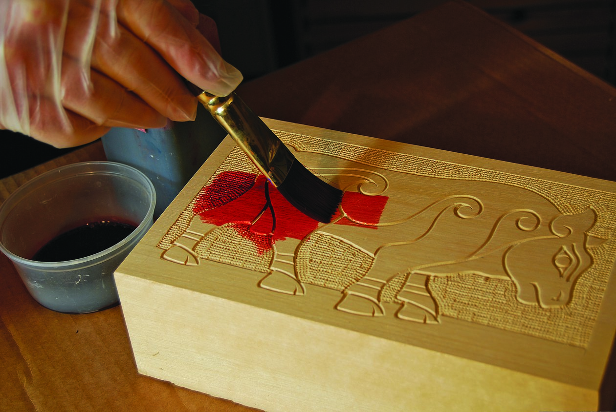 Line carving: three simple styles woodcarving illustrated