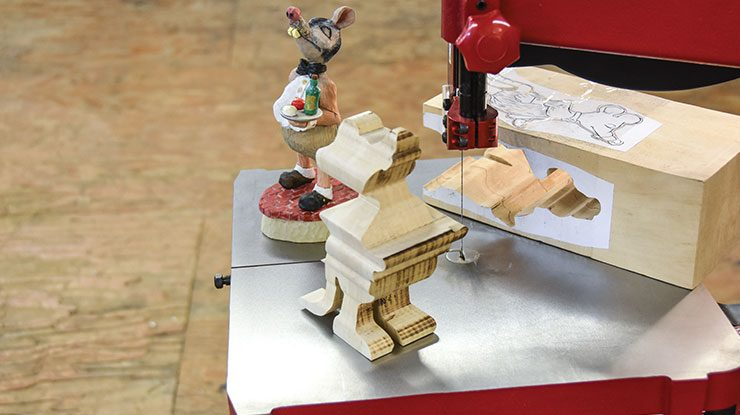 We Review the New Pégas Scroll Band Saw - Woodcarving