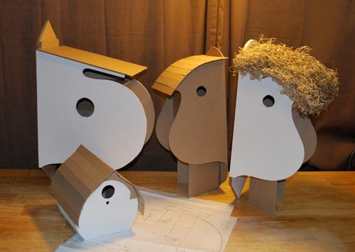 Use a saltine cracker box as the basis for a birdhouse