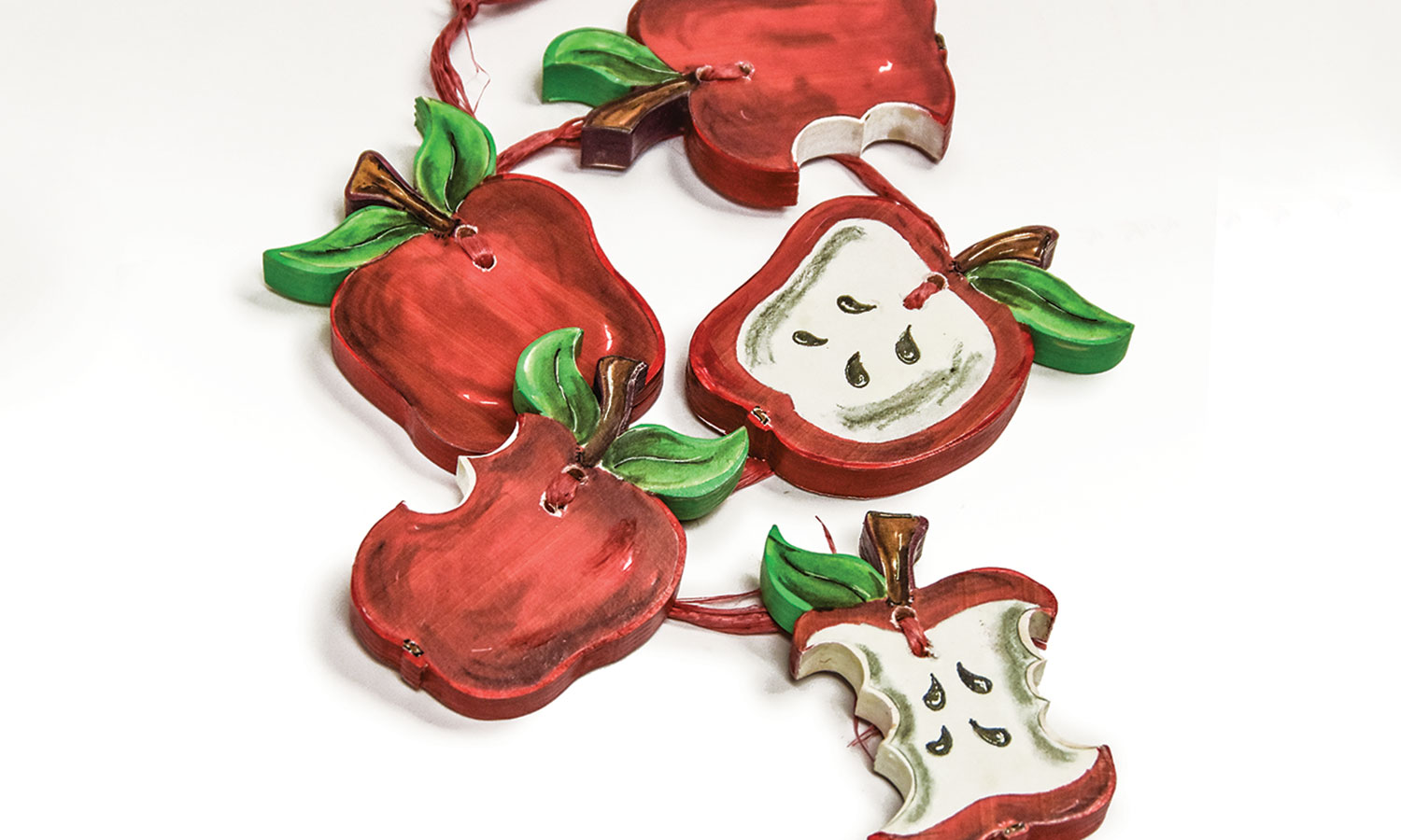 Color Shortcut: Decorating a String of Apple Slices