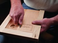 Build a Carver's Lapboard