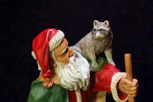 WEB-WCI81-Goodson-Gallery-Father-Christmas-with-Raccoons-(6)